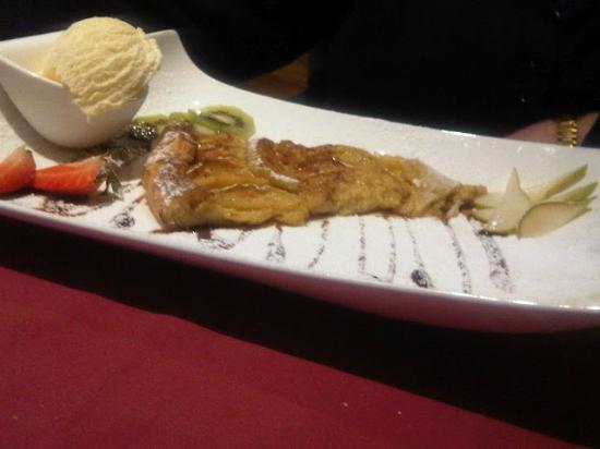 Brasserie de la Foret: Apple pie, vanilla ice cream