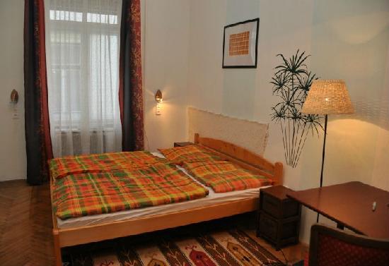 Pesto Hostel: 2 bed double room
