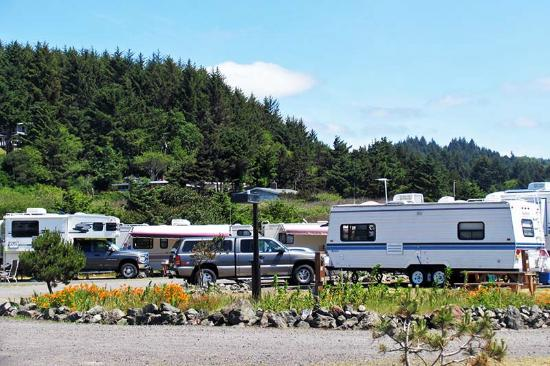Oceanside Beachfront RV Resort: Nicely kept park