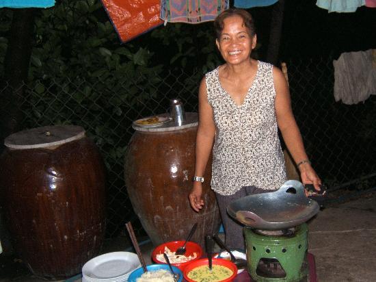 Nam Thanh Homestay: Préparation du repas