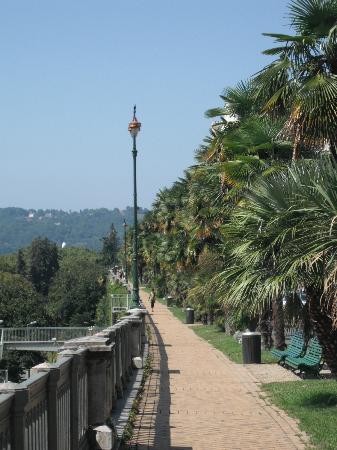 Boulevard des Pyrenees: Pau, Boulevard des Pyrénées