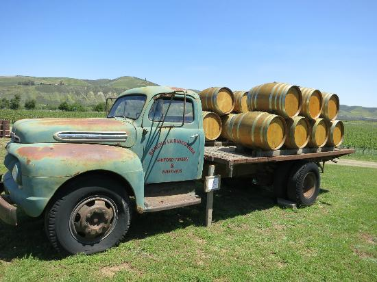 Sanford Winery & Vineyards: Old Sanford Wine Truck