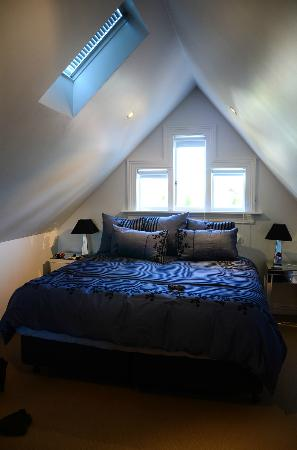 Lilac Rose Boutique Bed and Breakfast: Attic Room
