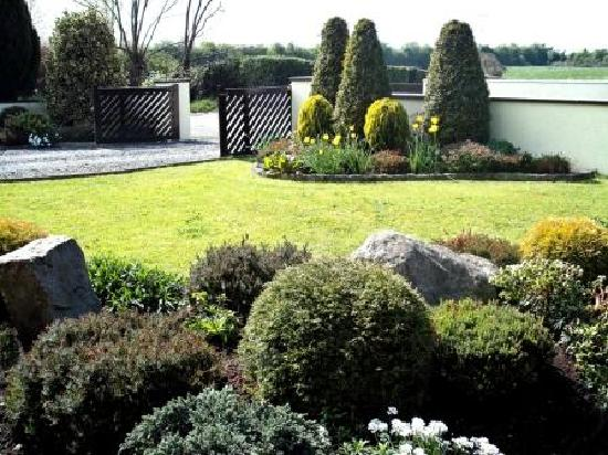 Maryville Bed & Breakfast: Garden view