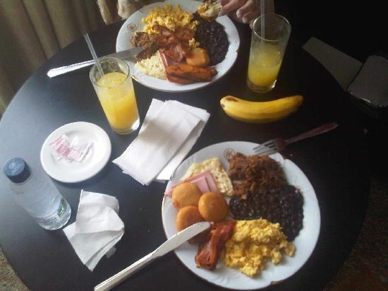 Hotel Kristoff: Desayuno Criollo en la habitación