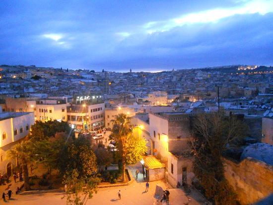 Palais de fes Dar Tazi : vista di sera