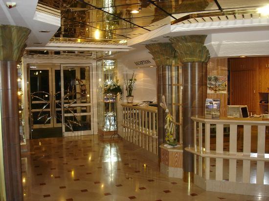 Wellness Hotel Graziella: Eingang und Rezeption