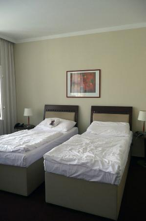 Clarion Hotel Prague Old Town: Inside room