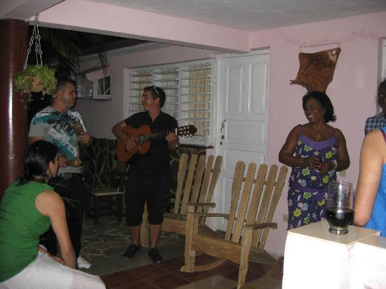 Villa Haydee Chiroles: Evening entertainment