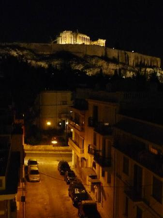 Acropolis View Hotel: Night view from the balcony