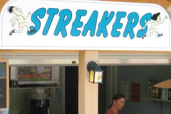 Sunny Rest Lodge : Streakers pool bar
