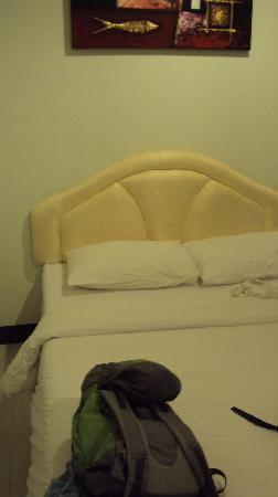 Patong Bay Inn: letto