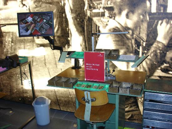 Swiss Knife Valley Visitor Center : Im Museum kann man nach Vorbestellung selber ein Taschenmesser herstellen