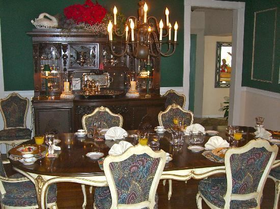 Great House: Lovely table setting for breakfast