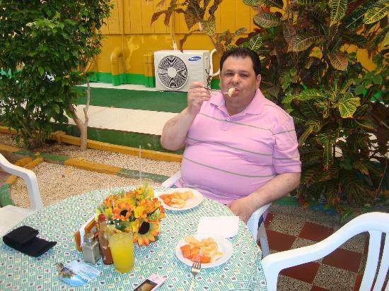 Apartahotel Tres Casitas: En el comedor!