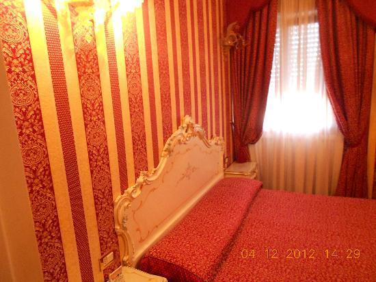 Hotel Belle Arti: chambre