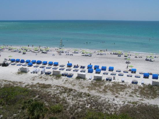 Resort at Longboat Key Club: Beach from Building #3