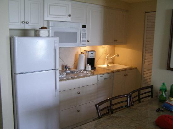 Resort at Longboat Key Club: Suite Kitchen