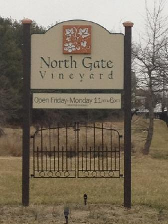 ‪North Gate Vineyard‬