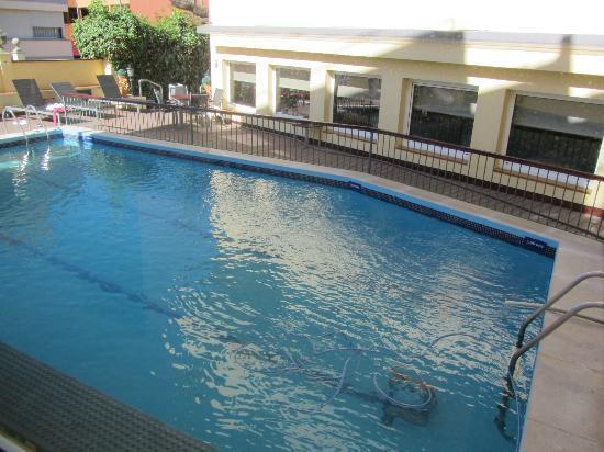 Hotel Trave : piscina descubierta