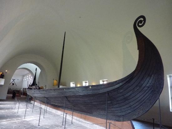 Viking ship (41261422)