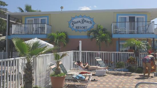 Plaza Beach Hotel - Beachfront Resort: Love this place!