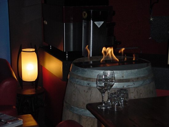 El Condor Restaurante: Relex by the Fire!
