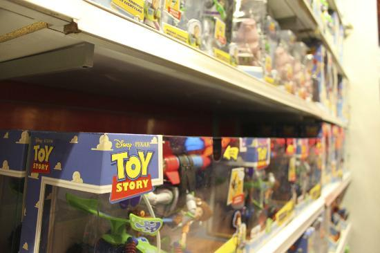 Toystory Picture Of Toys R Us Times Square New York City