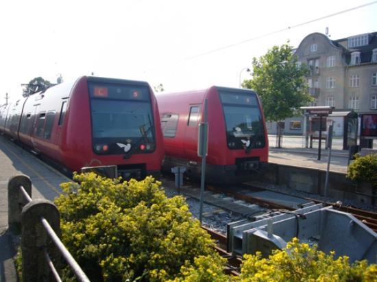 Bakken - World's Oldest Amusement Park: Estación Klampenborg