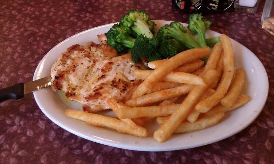 The Golden Hen Cafe: Grilled Chicken Breast