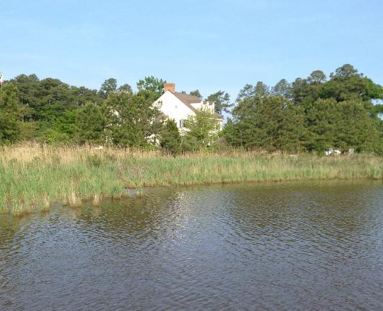 The Inn at Osprey Point : The inn viewed from one of the docks