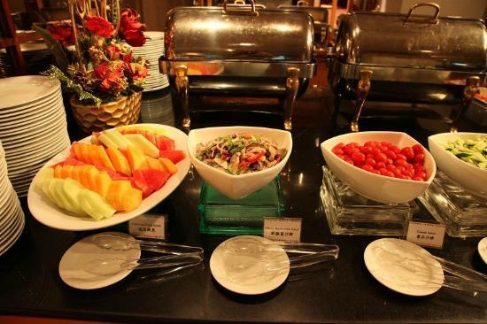 Hotel Sintra: Breakfast
