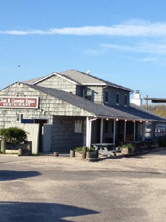 Clam and Chowder House at Salivar's Dock
