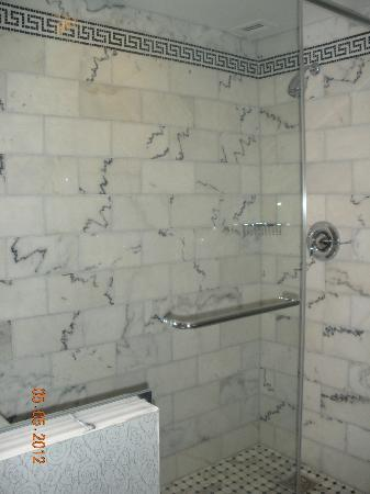 The Siena Hotel, Autograph Collection: Shower