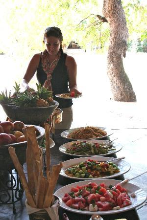 andBeyond Ngala Safari Lodge: Lunch - eat up kids!
