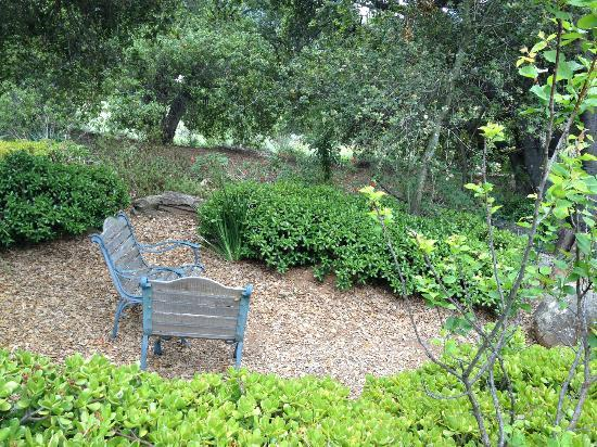 Ojai Retreat & Inn: Pleasant walks and to places to read undisturbed