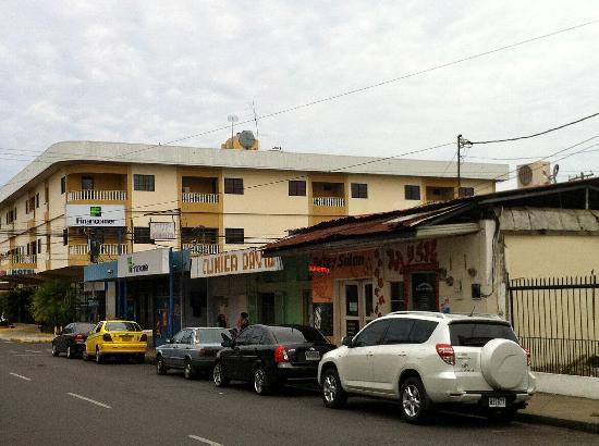 Hotel and street it is on fotograf a de hotel puerta del for Resort puertas del sol precios