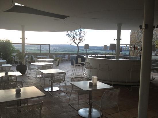 La Bisbal d'Empordà, España: outdoor bar area