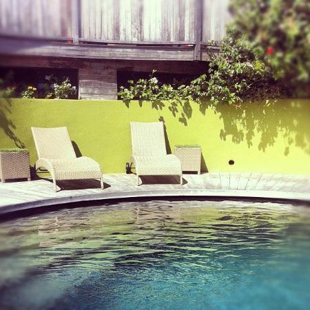 Karibuni Lodge: La piscine