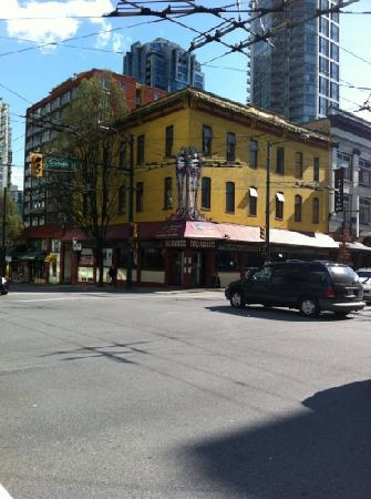 The Two Parrots Perch and Grill: Corner of Granville Strip and Davie Street
