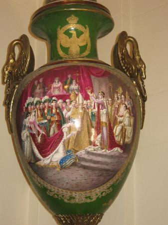 Museo Napoleonico: Jarrón alusivo a coronación de Napoleón