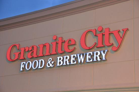 Granite City Food & Brewery : Exterior