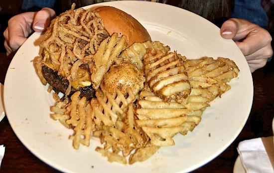 Granite City Food & Brewery : Bleu Peppercorn Burger