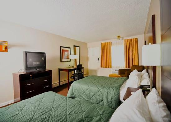Baymont Inn & Suites Sandusky / Cedar Point : Refreshed Rooms in 2011
