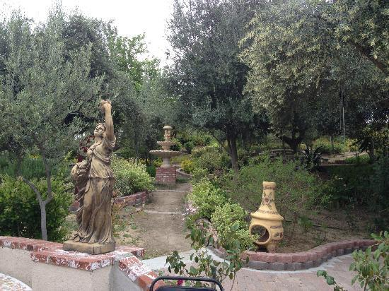 Mount Palomar Winery: gardens