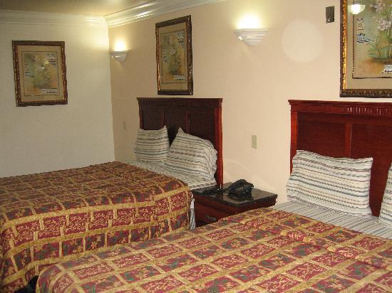 Royal Inn Motel Long Beach: Double Bed