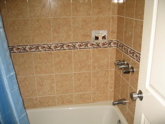 Royal Inn Motel Long Beach: Bath