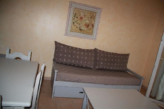 ResidHotel Grand Avignon : Single bed in family room