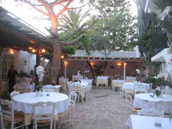 Avra Restaurant - Garden: Very Nice Atmosphere