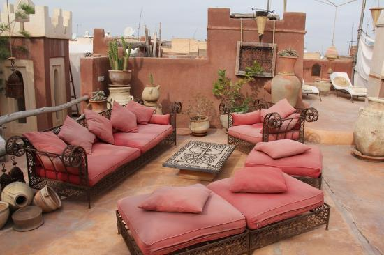 Riad les Inseparables: The comfortable outdoor furnishings